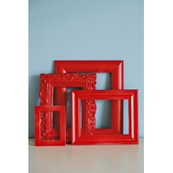 cadres - bombe de peinture rouge