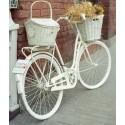 Joli vélo customisé en blanc